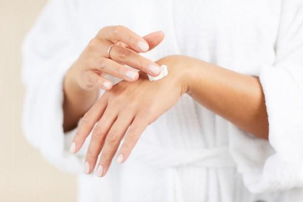 Догляд за руками та нігтями: кілька простих правил