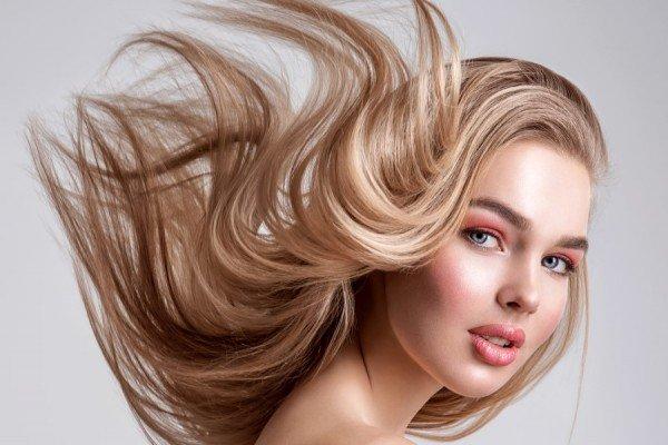 Особливості догляду за освітленим волоссям